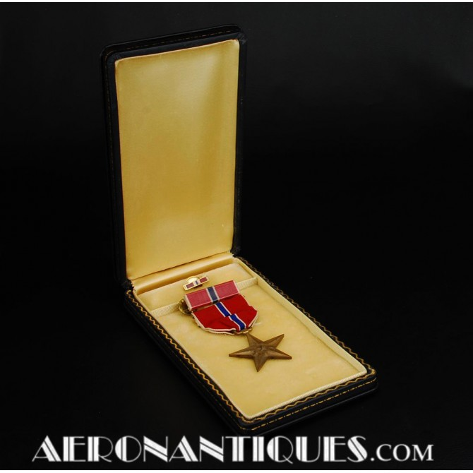 WWII US Bronze Star Award Decoration Medal