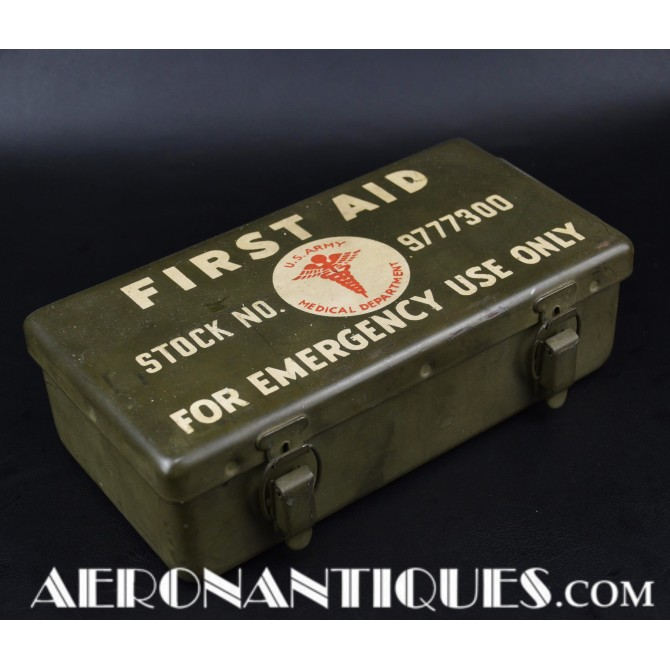 WWII Jeep Container Kit First-Aid 12-Unit US Army