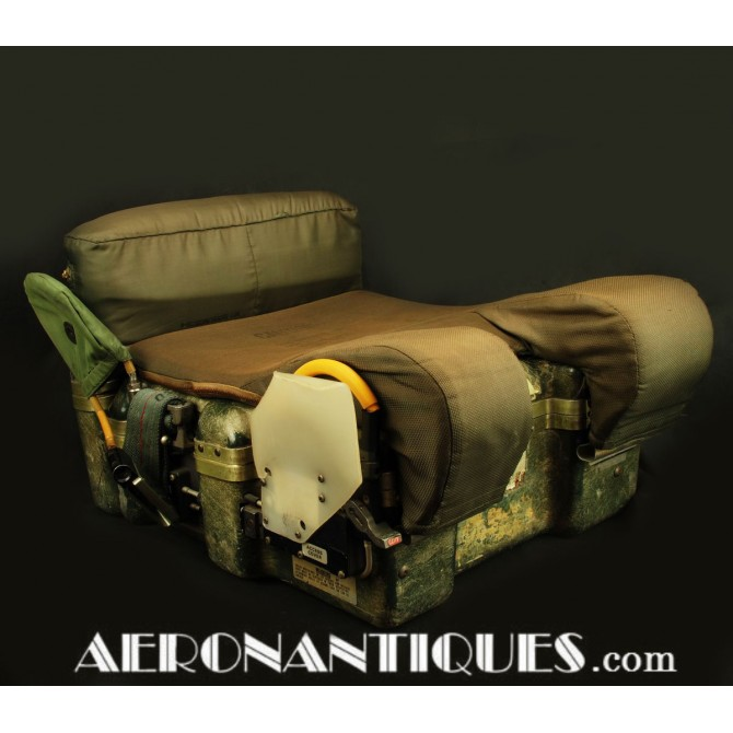 Vietnam F-105 Thunderchief Pilot Ejection Seat Survival Kit US Air Force
